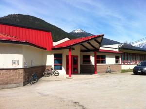 Badminton @ W.E. Graham Community School   Slocan   British Columbia   Canada